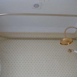 Карниз для ванной — 115 фото основных видов конструкций, идеи оформления и советы по креплению