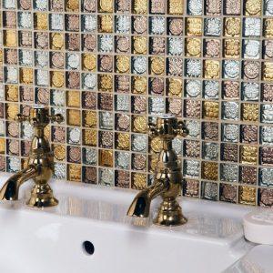 Плитка мозаика для ванной — советы по выбору плитки и описание технологии укладки. Лучшие идеи сочетаний и вариантов применения мозаичной плитки (135 фото)