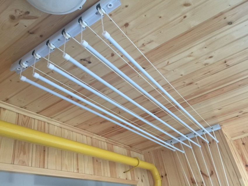 Потолочные сушилки для белья - особенности выбора конструкции и советы по монтажу (115 фото)