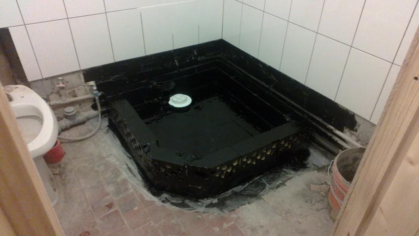 Стяжка пола в ванной - основные виды, инструкция по монтажу, особенности укладки и советы по выбору смеси (95 фото и видео)