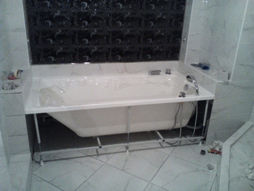 Установка ванной: особенности выбора, варианты размещения, схемы подключения и идеи украшения (90 фото)